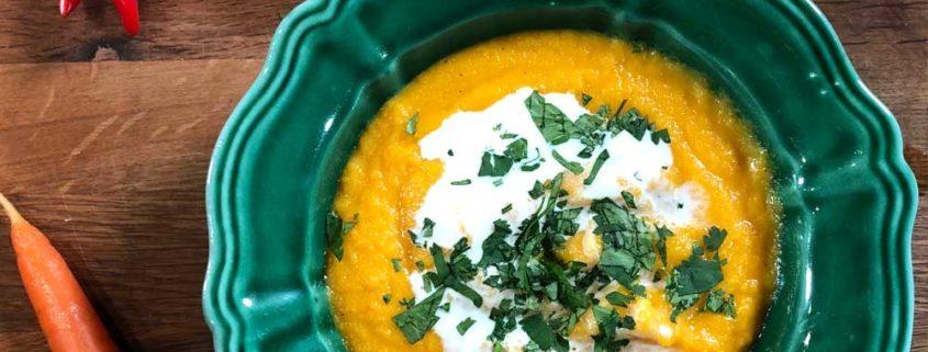 Zuppa di carote e arancia con zenzero