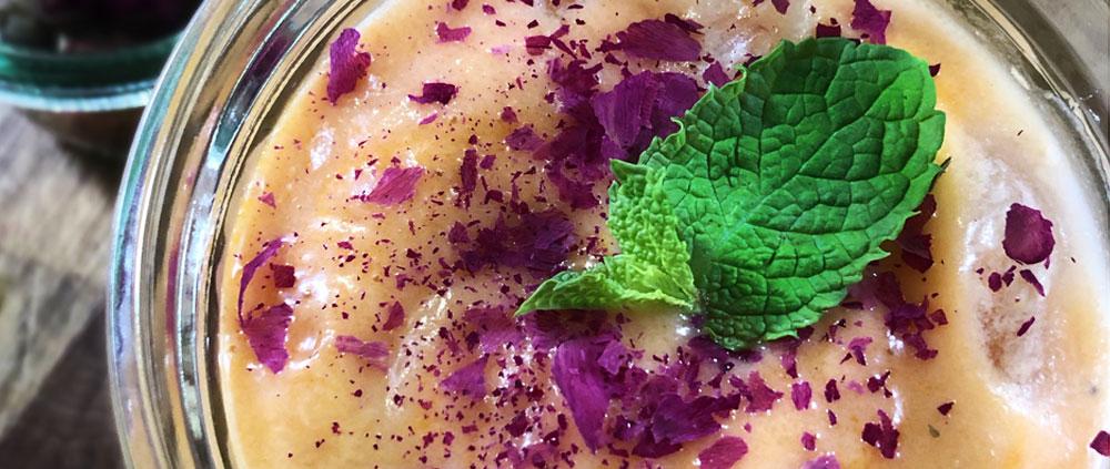 Ricetta Gazpacho alla papaya e latte di cocco